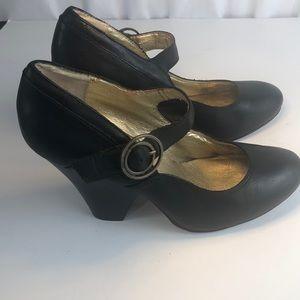 Seychelles Retro Pinup 50s Style Heels Black